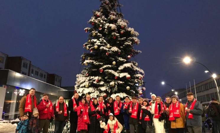 """Socialdemokratai – žvakučių deginimo akcijoje """"Įsileisk Kalėdų šviesą"""""""
