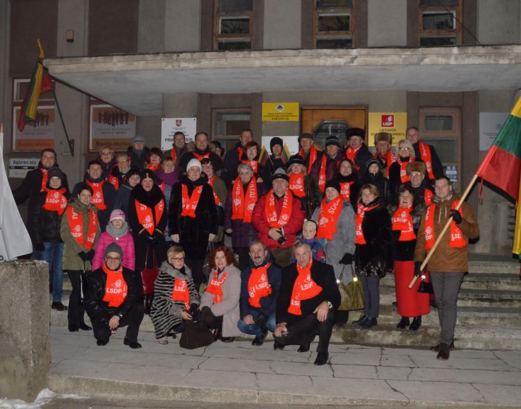 Šiaulių miesto socialdemokratai dalyvavo šventinėje eisenoje