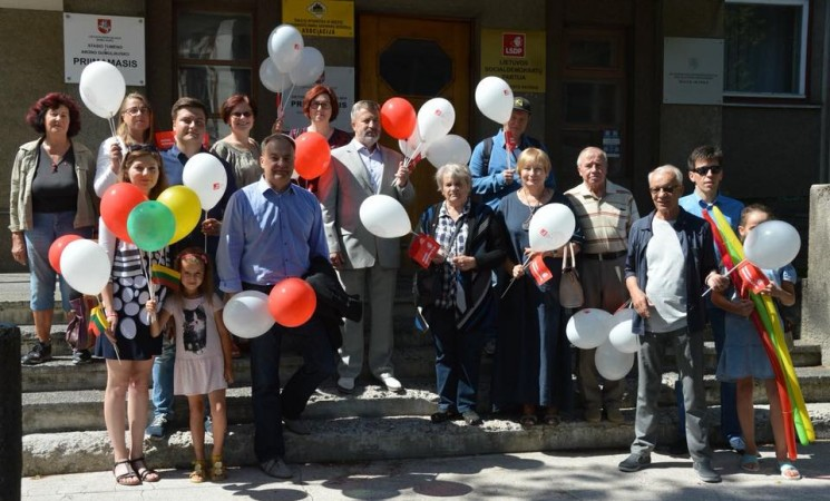 Iškilminga Lietuvos Respublikos vėliavos pakėlimo ceremonija su socialdemokratais