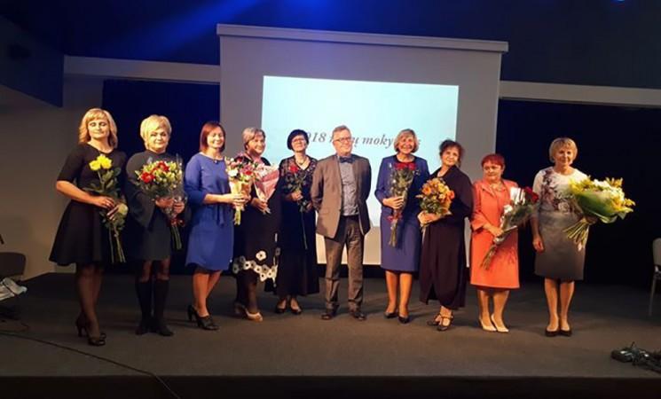 Minint profesinę šventę - premijos mokytojams