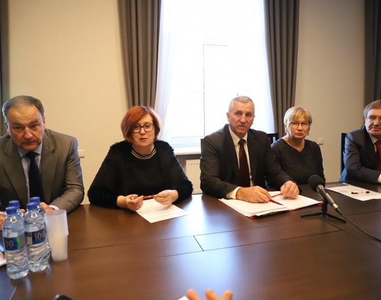 Socialdemokratų frakcijos spaudos konferencijoje - apie parengtus projektus ir gyventojams aktualias problemas