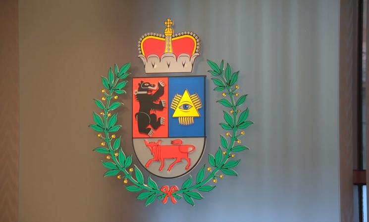 Savivaldybės tarybos posėdyje - nuo administracijos direktoriaus pavaduotojo atstatydinimo iki viaduko statybos Zokniuose