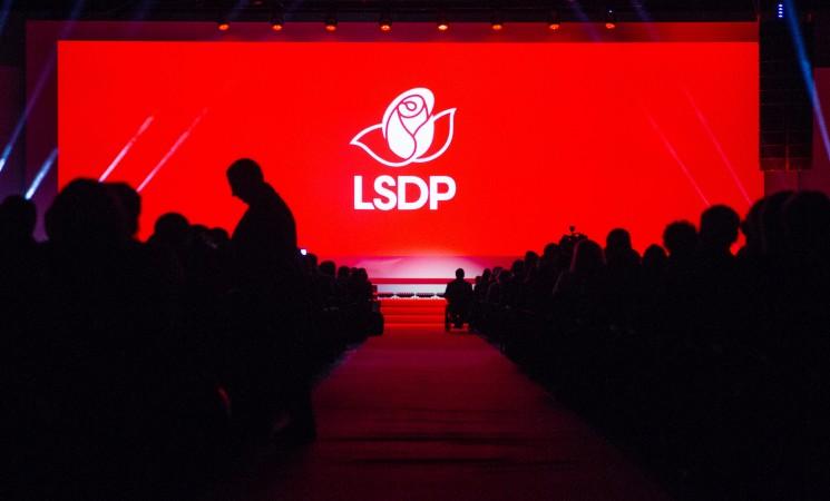 """Socialdemokratai: Vyriausioji rinkimų komisija virto """"valstiečių"""" tarnaite"""