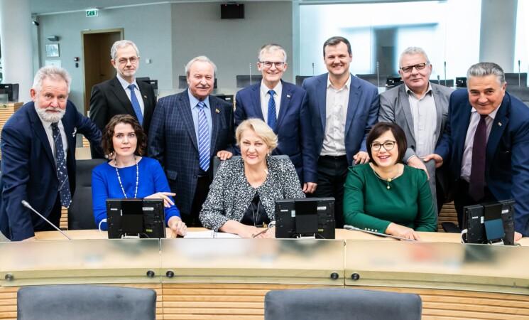 Socialdemokratai siūlo kelti dėstytojų ir mokslininkų algas nuo sausio