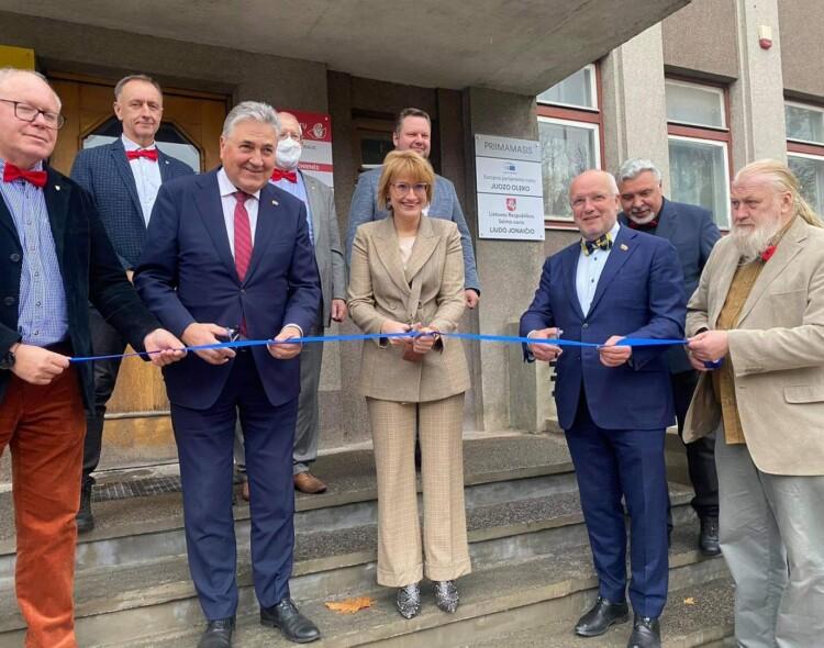 Šiauliuose duris atvėrė europarlamentaro Juozo Oleko ir Seimo nario Liudo Jonaičio biurai